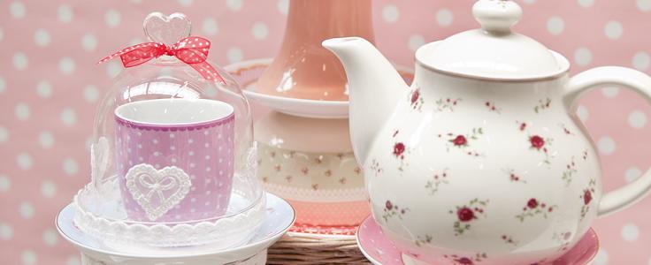 Čajniki, skodelice, vrči, škatle za čaj